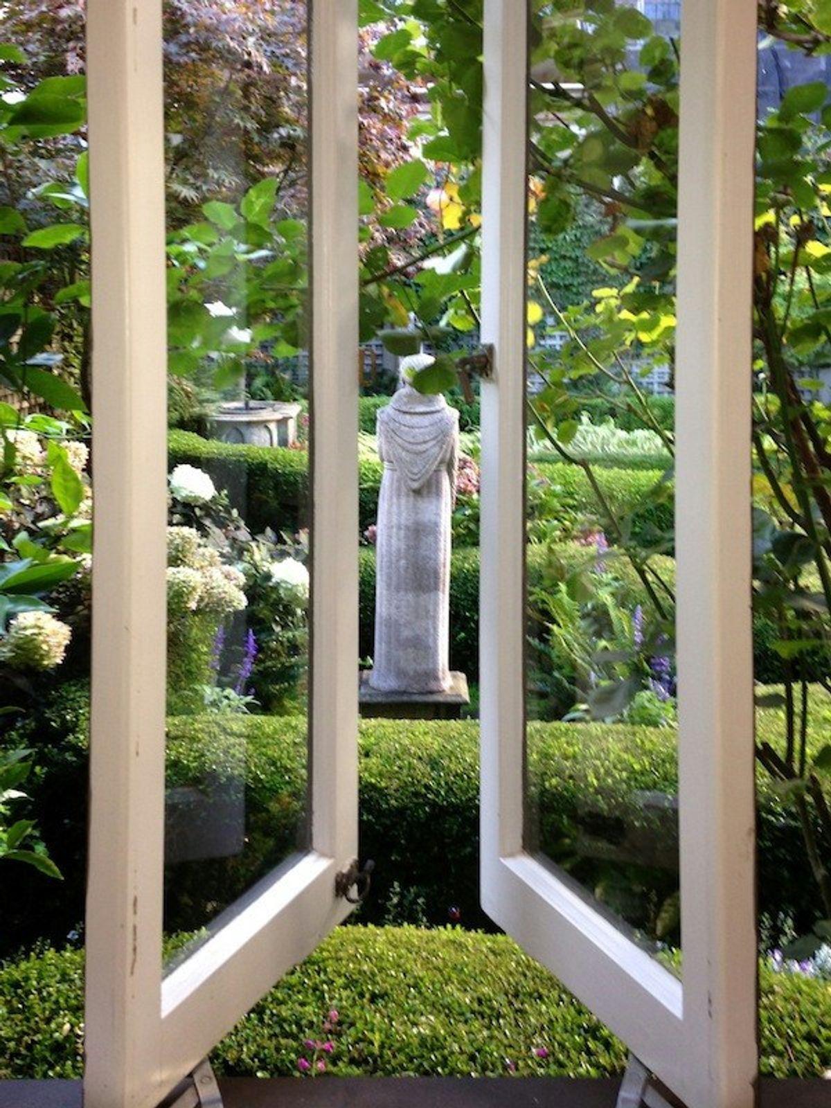 Russian Hill View Home & English Garden