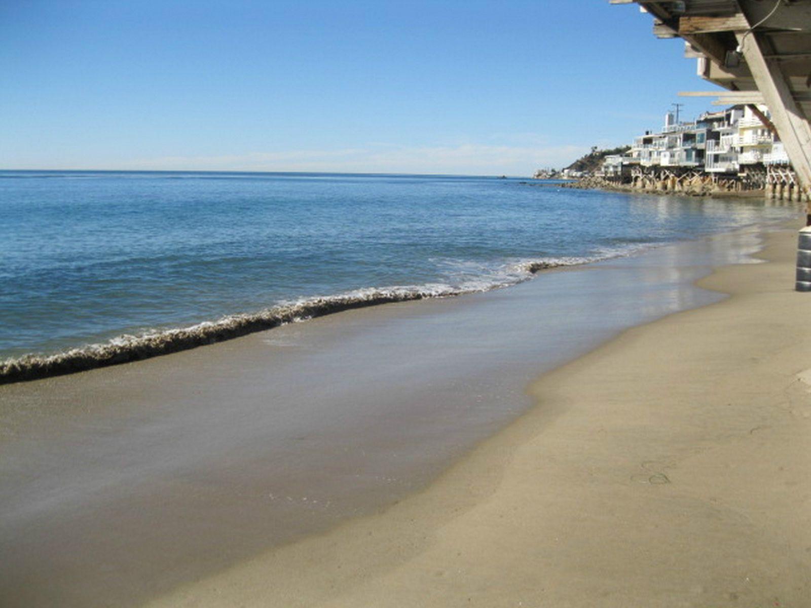 Las Tunas Beach Home