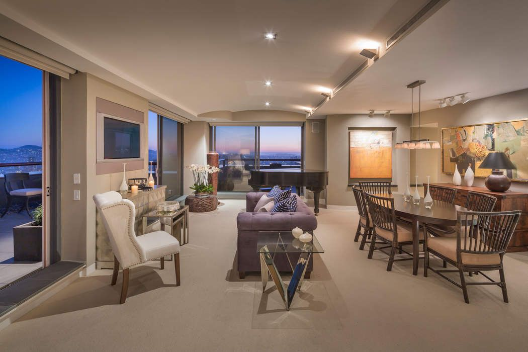 FiDi View Penthouse with Four Terraces