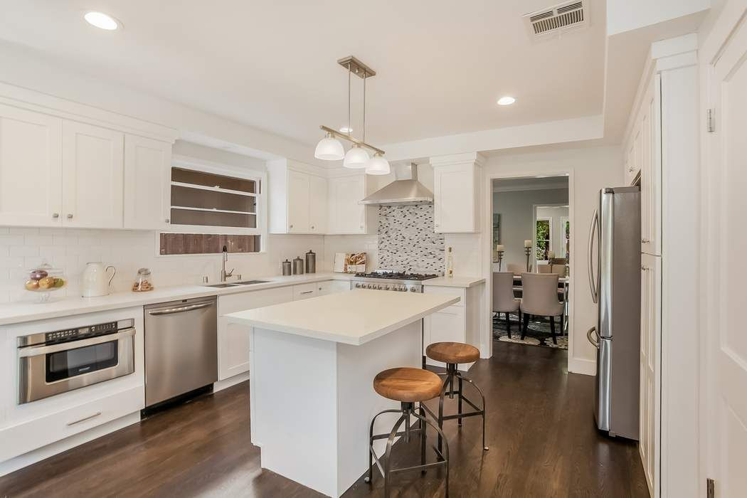 3306 Barbydell Drive Los Angeles, CA 90064
