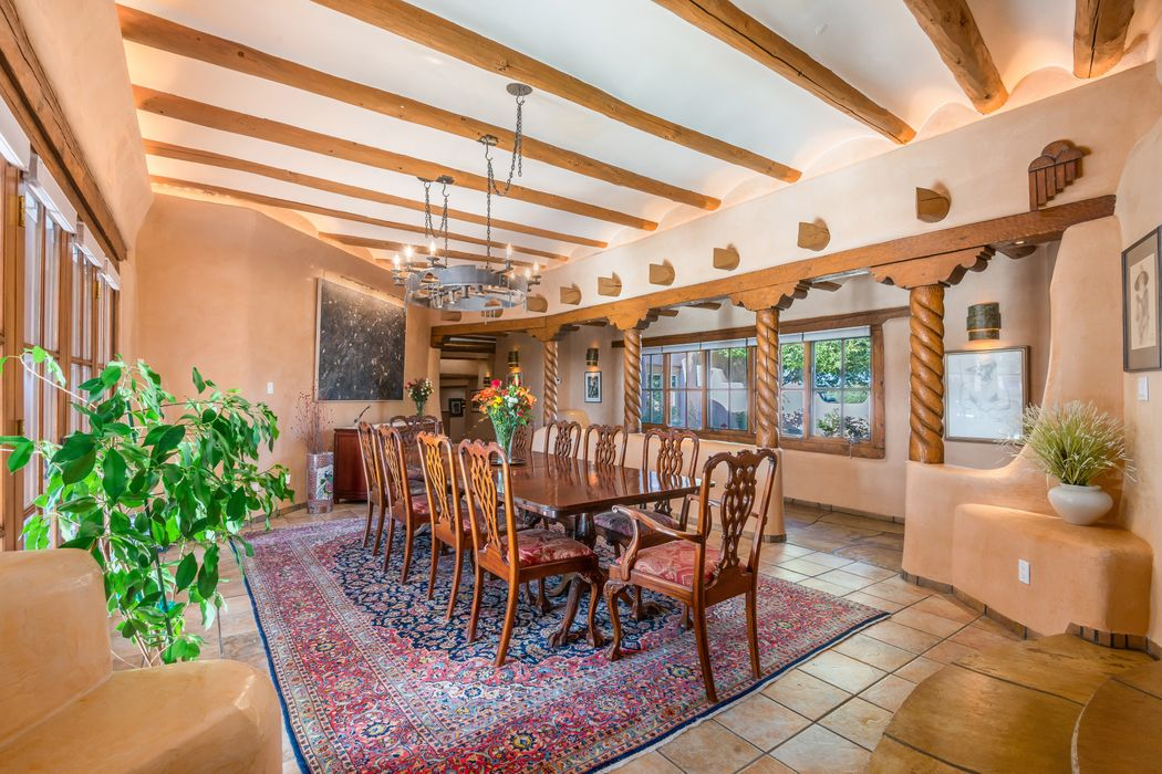 20 Paintbrush Circle Santa Fe, NM 87506