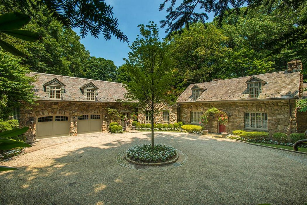 19 Witherell Drive Greenwich, CT 06831