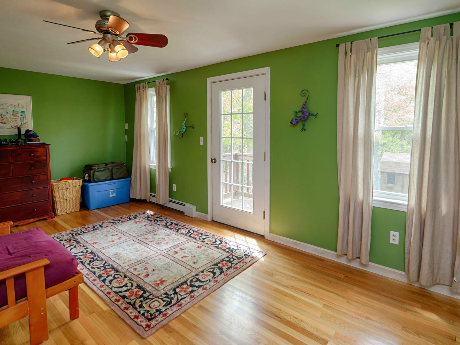 Beautiful Colonial on Large Private Lot
