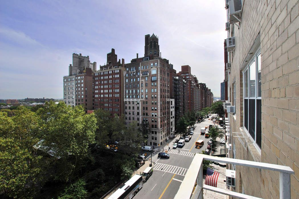 110 East End Avenue Apt 14j New York Ny 10028 Sotheby