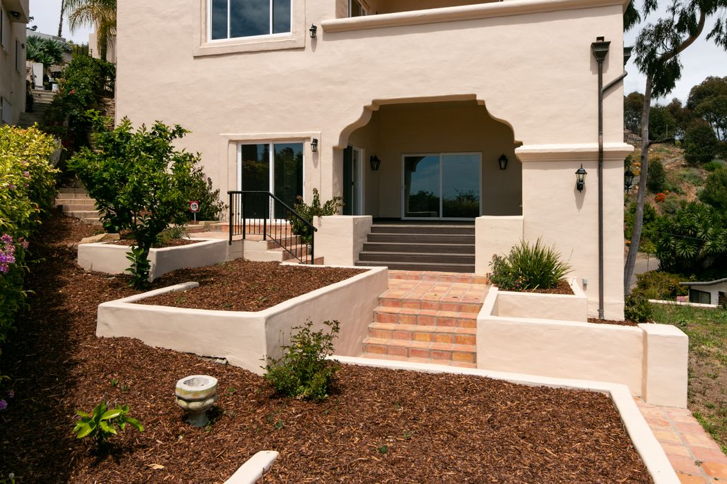 334 Ferro Drive Ventura, CA 93001
