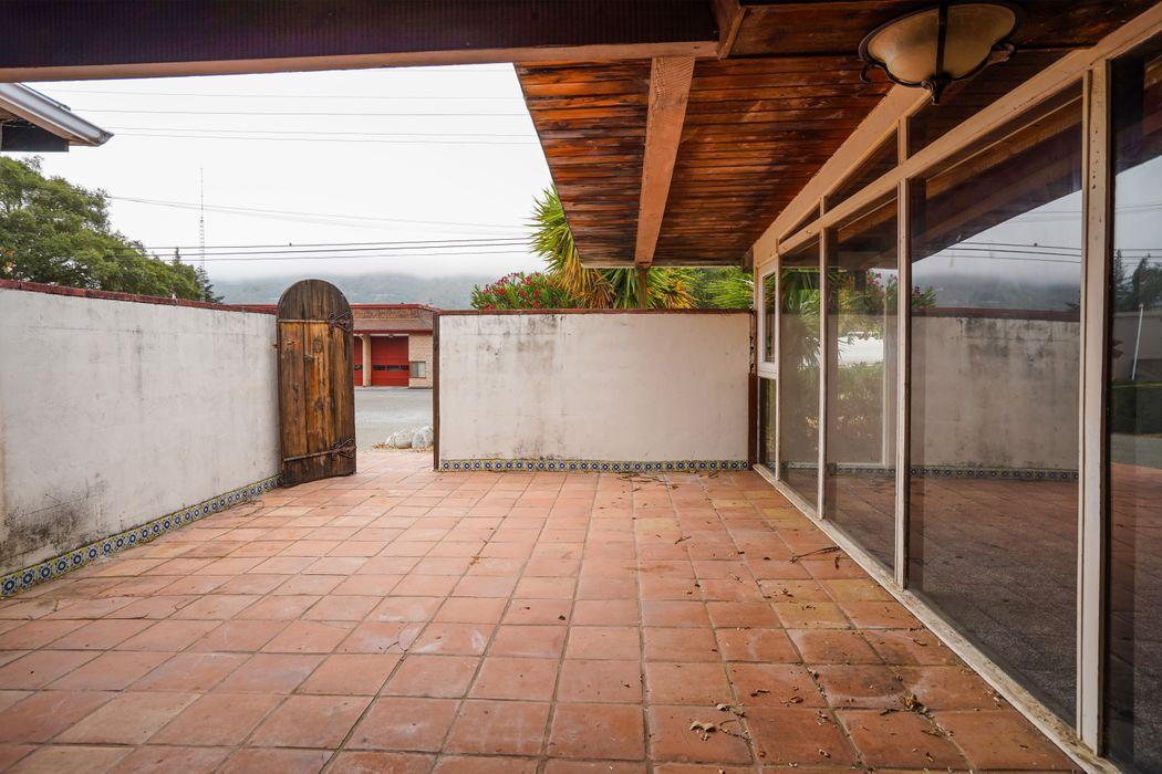 29 Via Contenta Carmel Valley, CA 93924