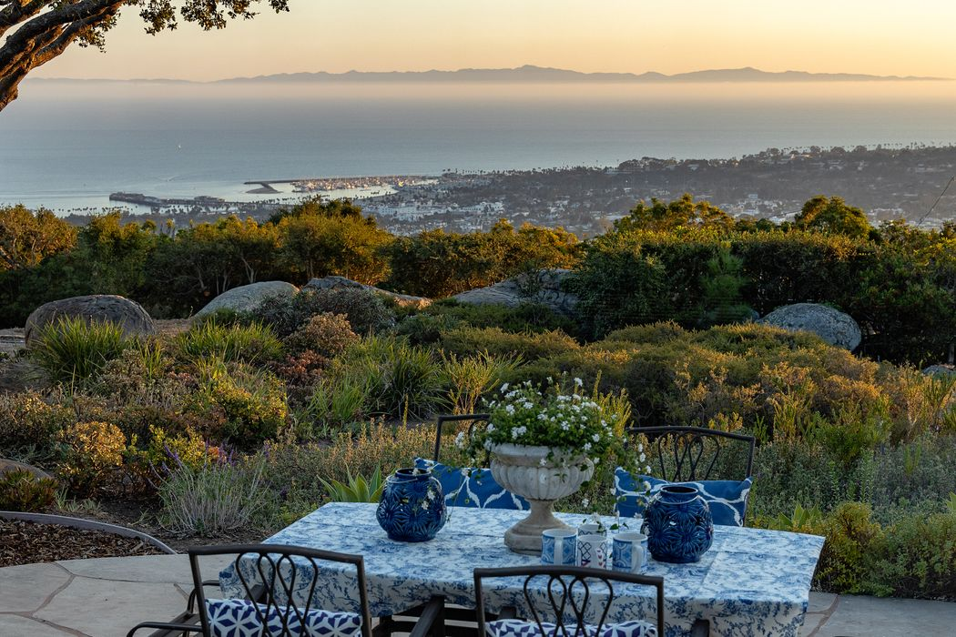1215 High Ridge Lane Santa Barbara, CA 93103