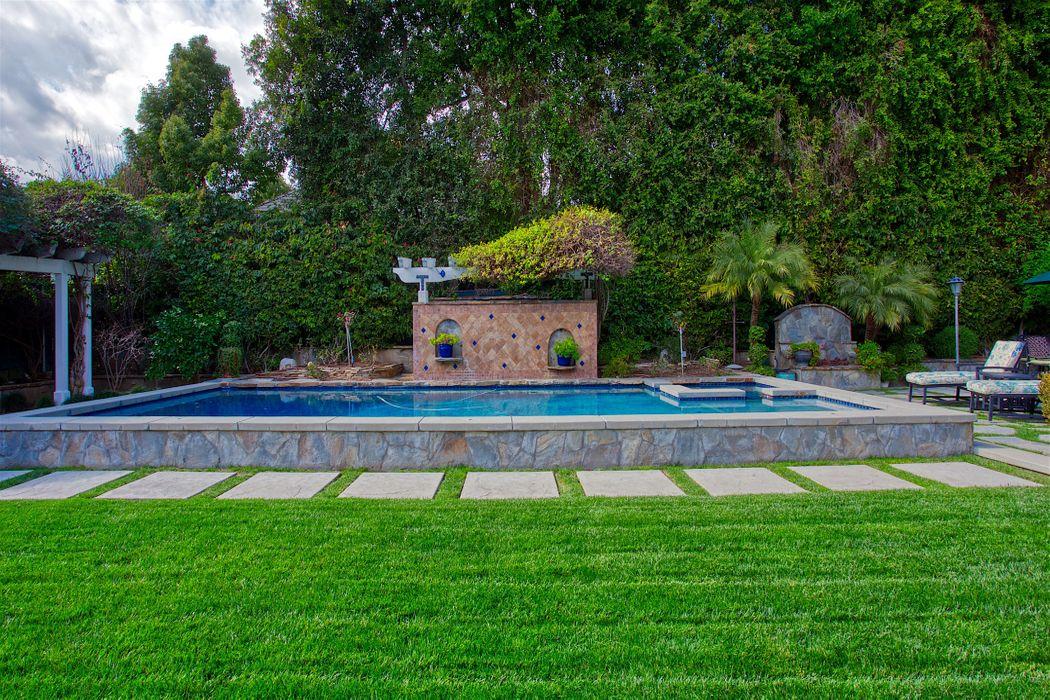 1409 Hillcrest Avenue Pasadena, CA 91106