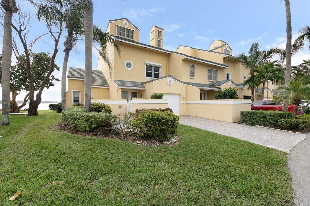 Direct Intracoastal Townhouse