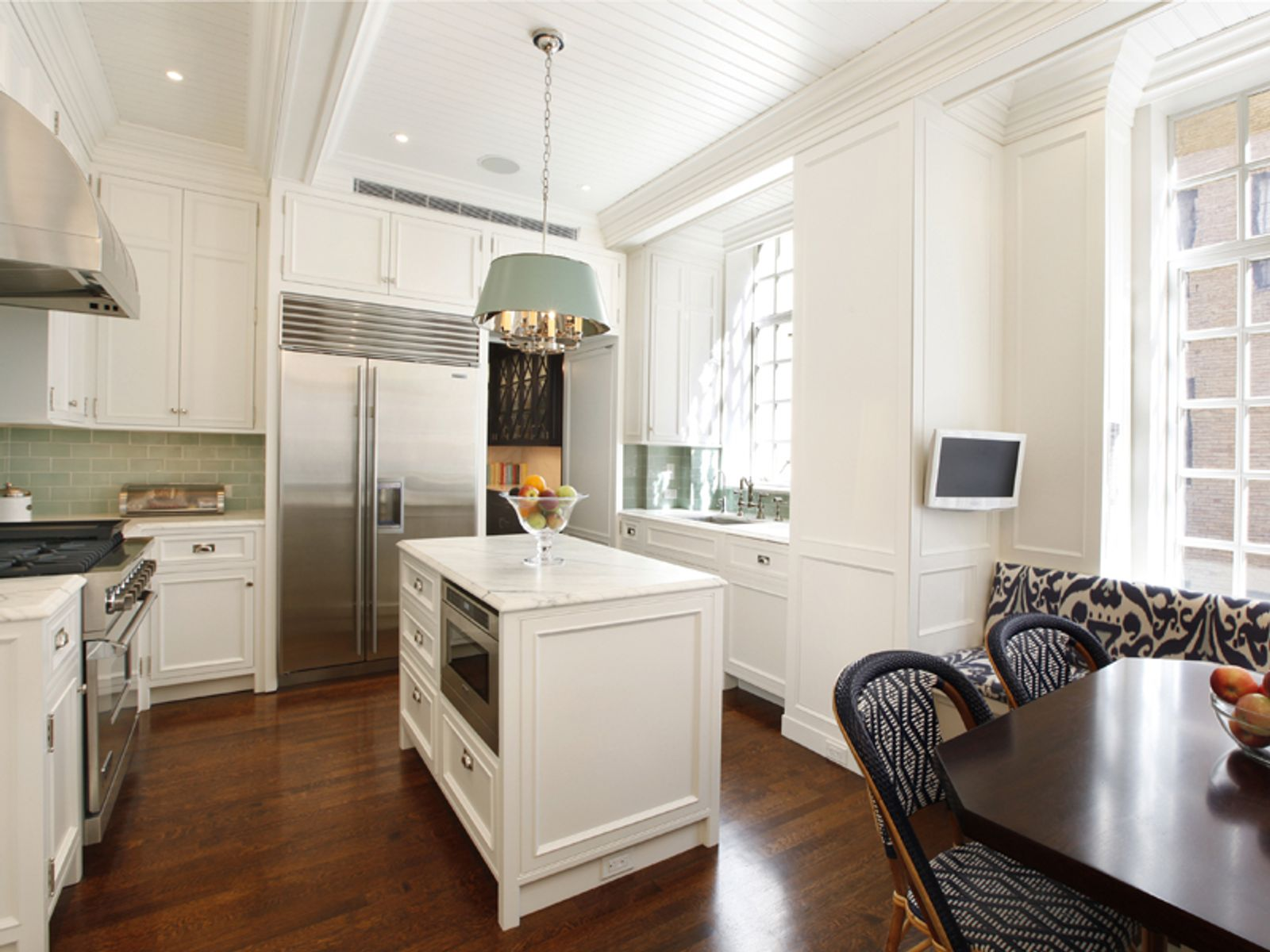 Superb Renovation at 812 Park Ave