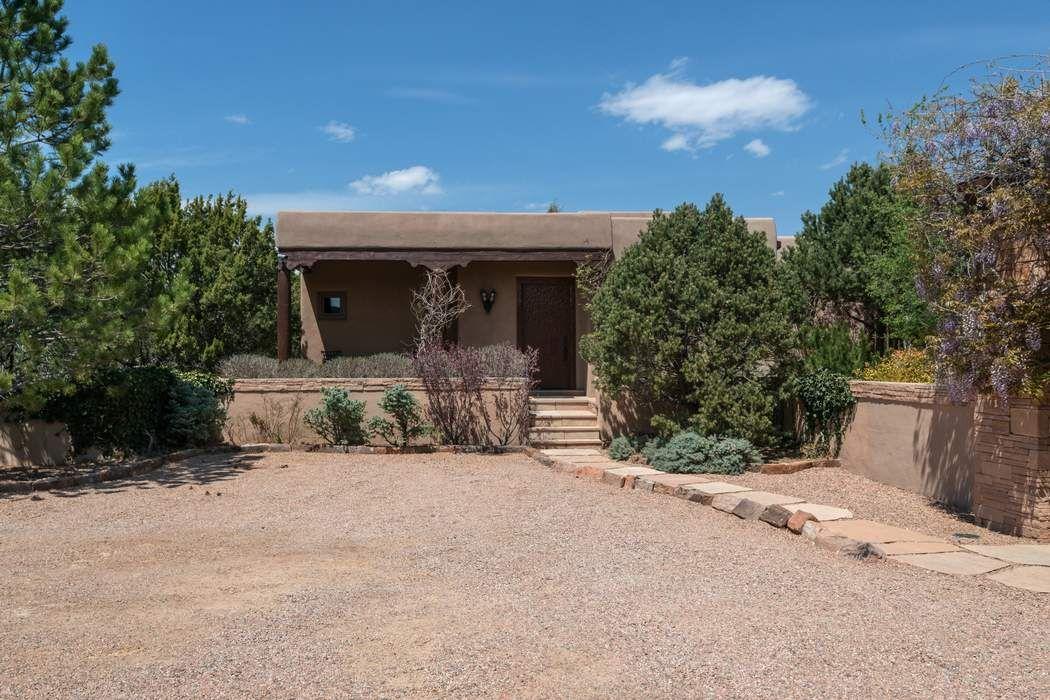 10 Sierra Rosa Loop Santa Fe, NM 87506