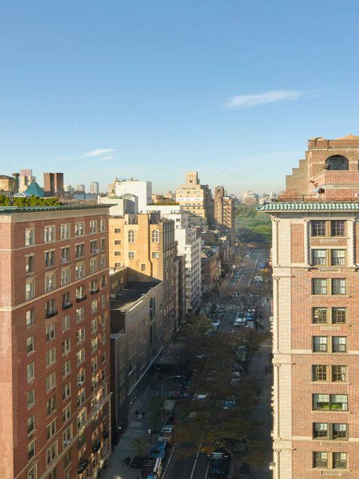 885 Park Avenue New York, NY 10075