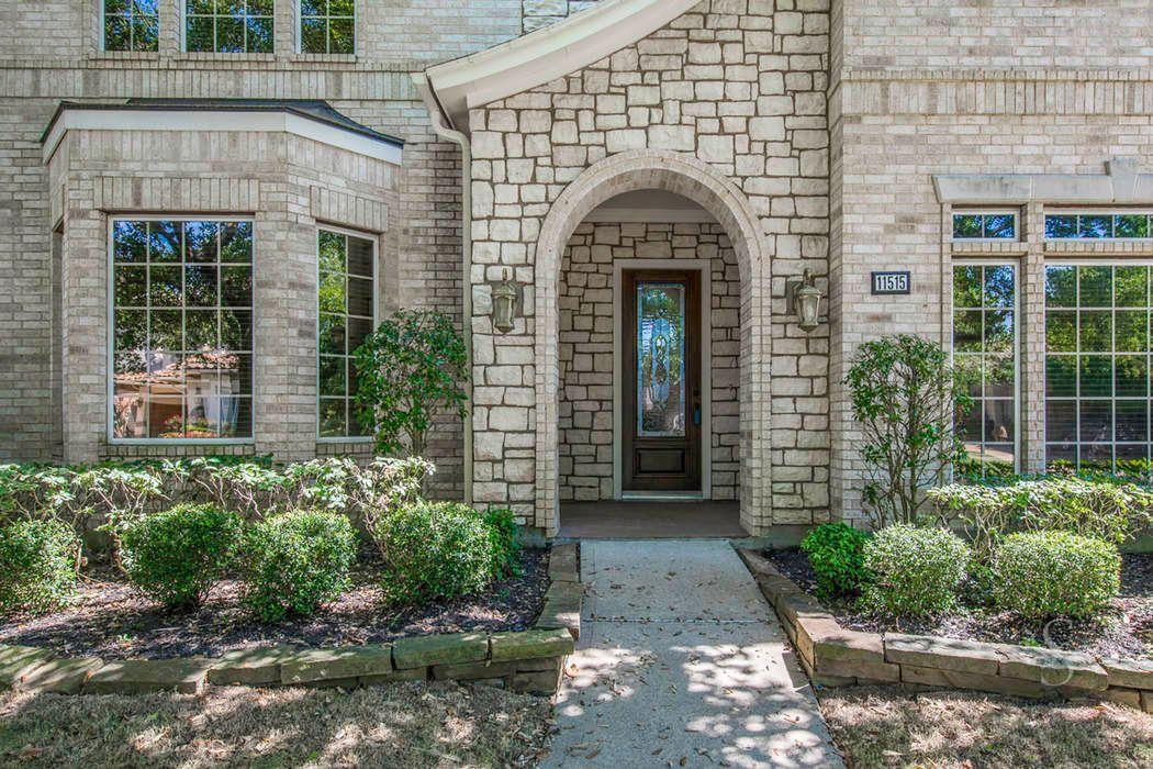 11515 Gallant Ridge Lane Houston, TX 77082