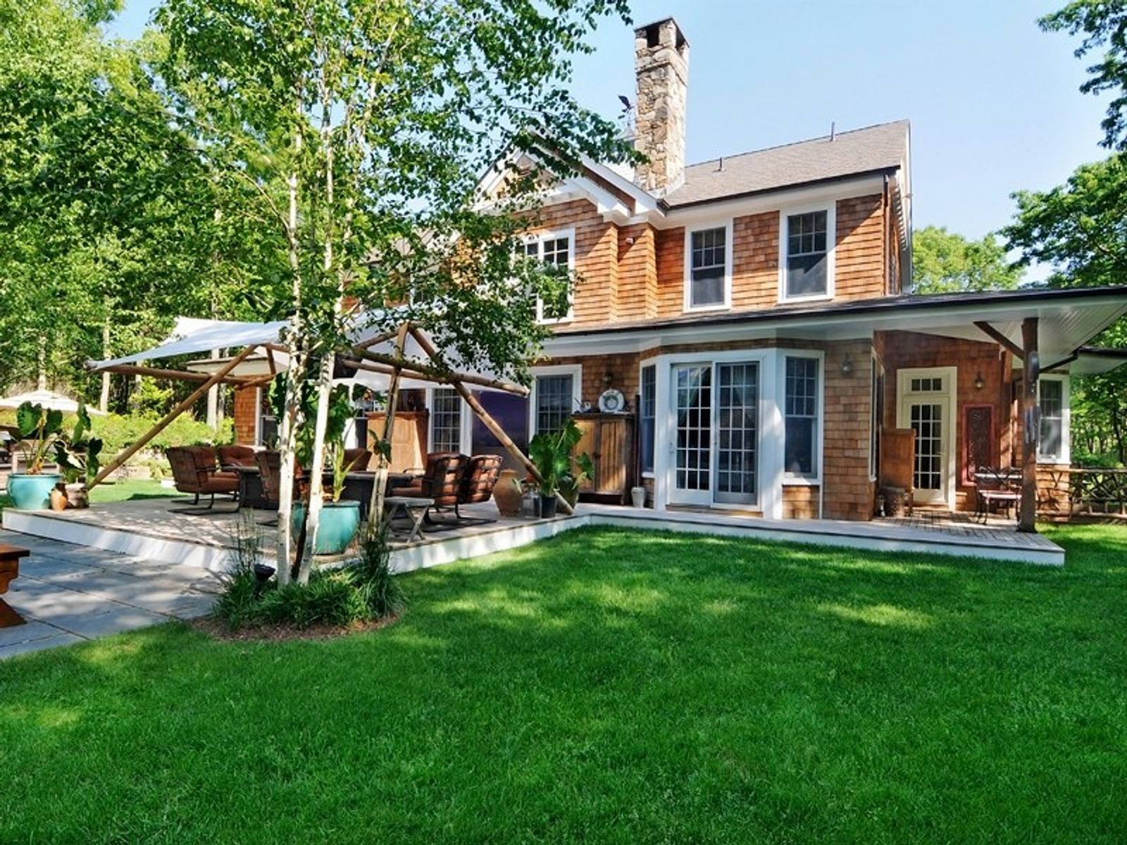 9+/- Private Acres , Sagaponack NY Single Family Home - Hamptons Real Estate