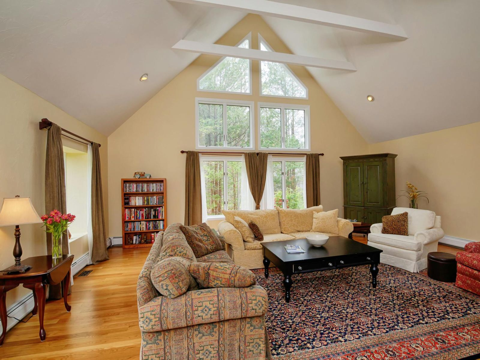 Tranquil Cape with Deeded Beach