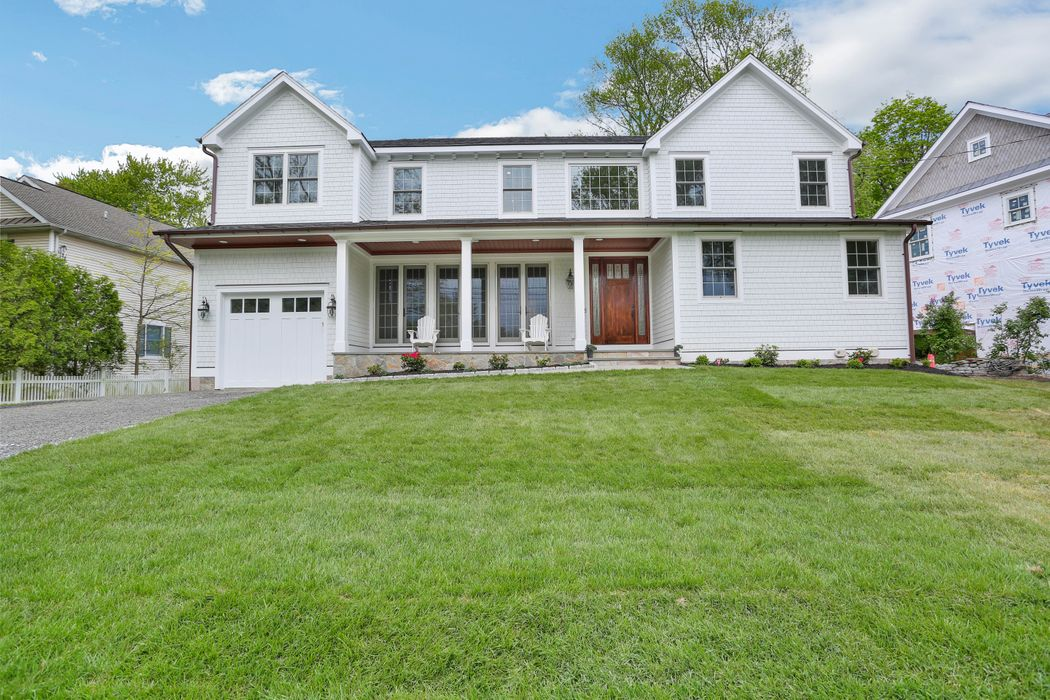39 North Ridge Road Old Greenwich, CT 06870
