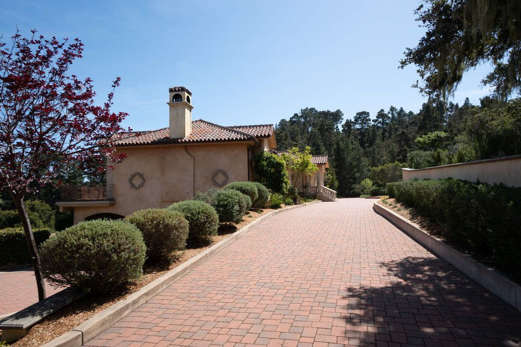 7422 Alturas Court Monterey, CA 93940