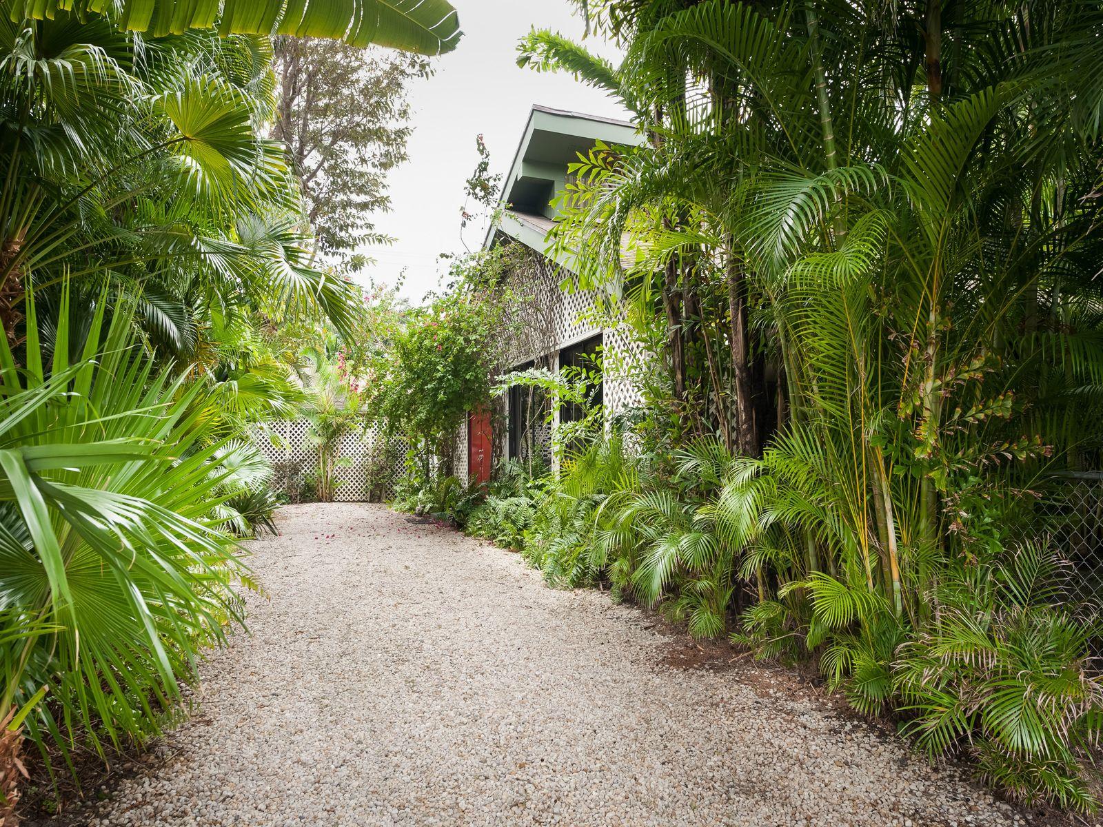 Esplanade Way - Palm Beach