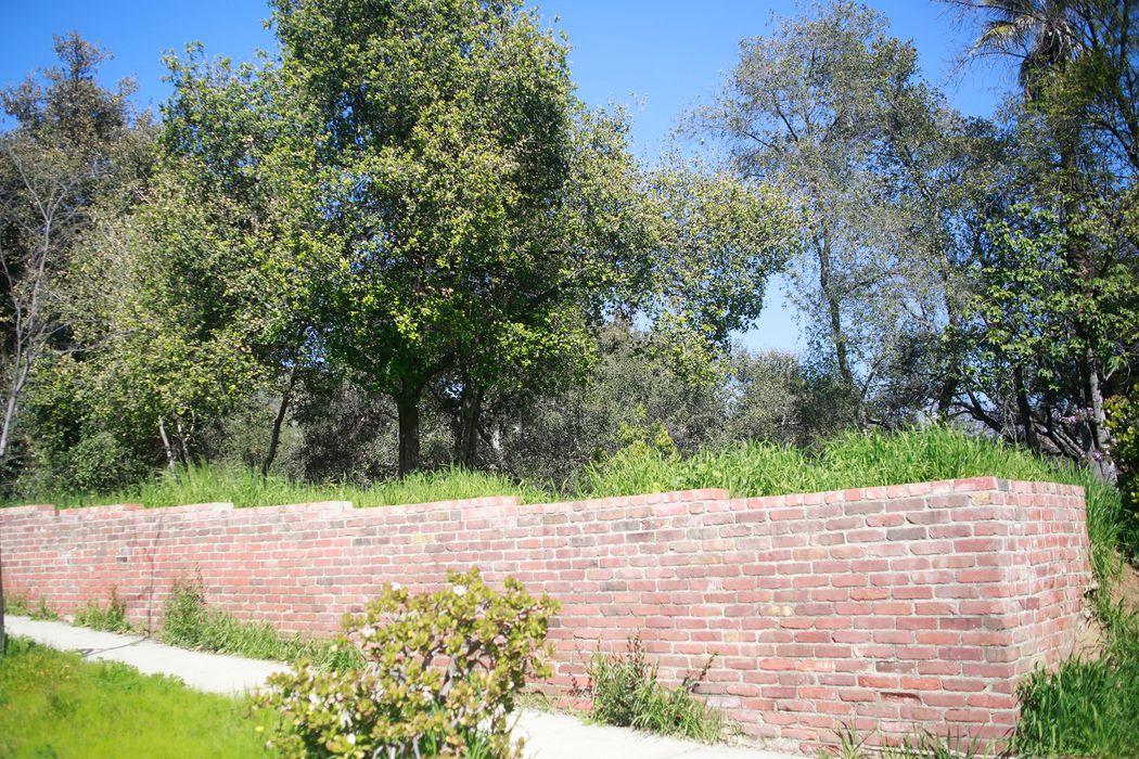 1530 Scenic Drive Pasadena, CA 91103