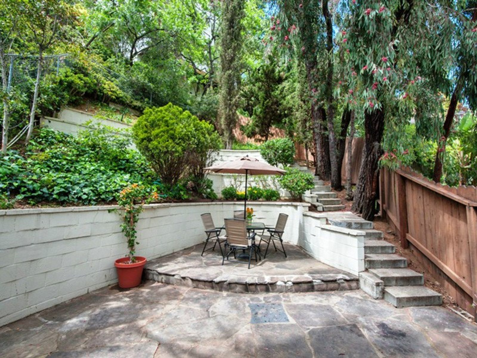 Lovely Laurel Canyon Home