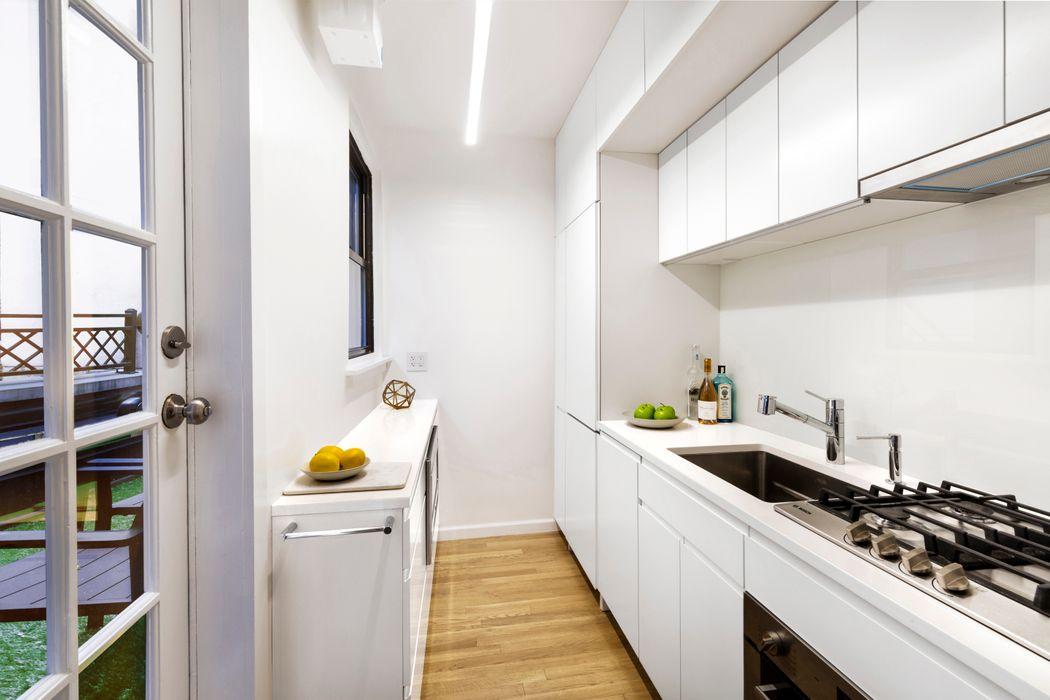 140 West 58th Street New York, NY 10019