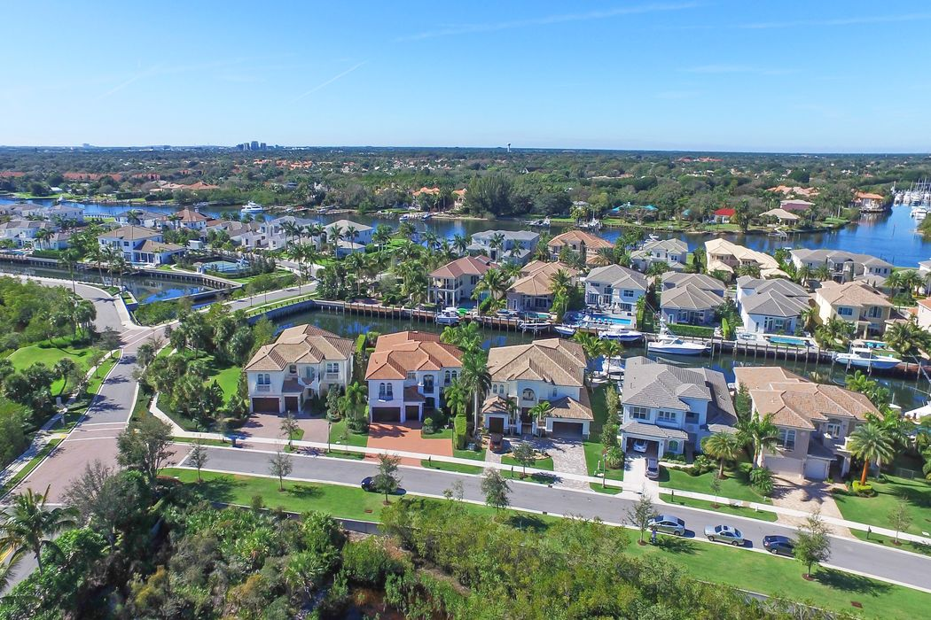 13877 Willow Cay Drive West Palm Beach, FL 33408
