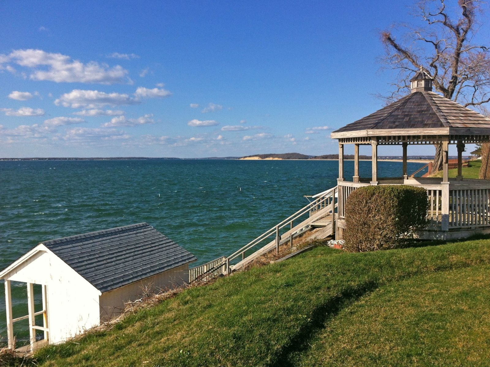 Bayfront sunsets in sag harbor sag harbor ny single for Hamptons home for sale
