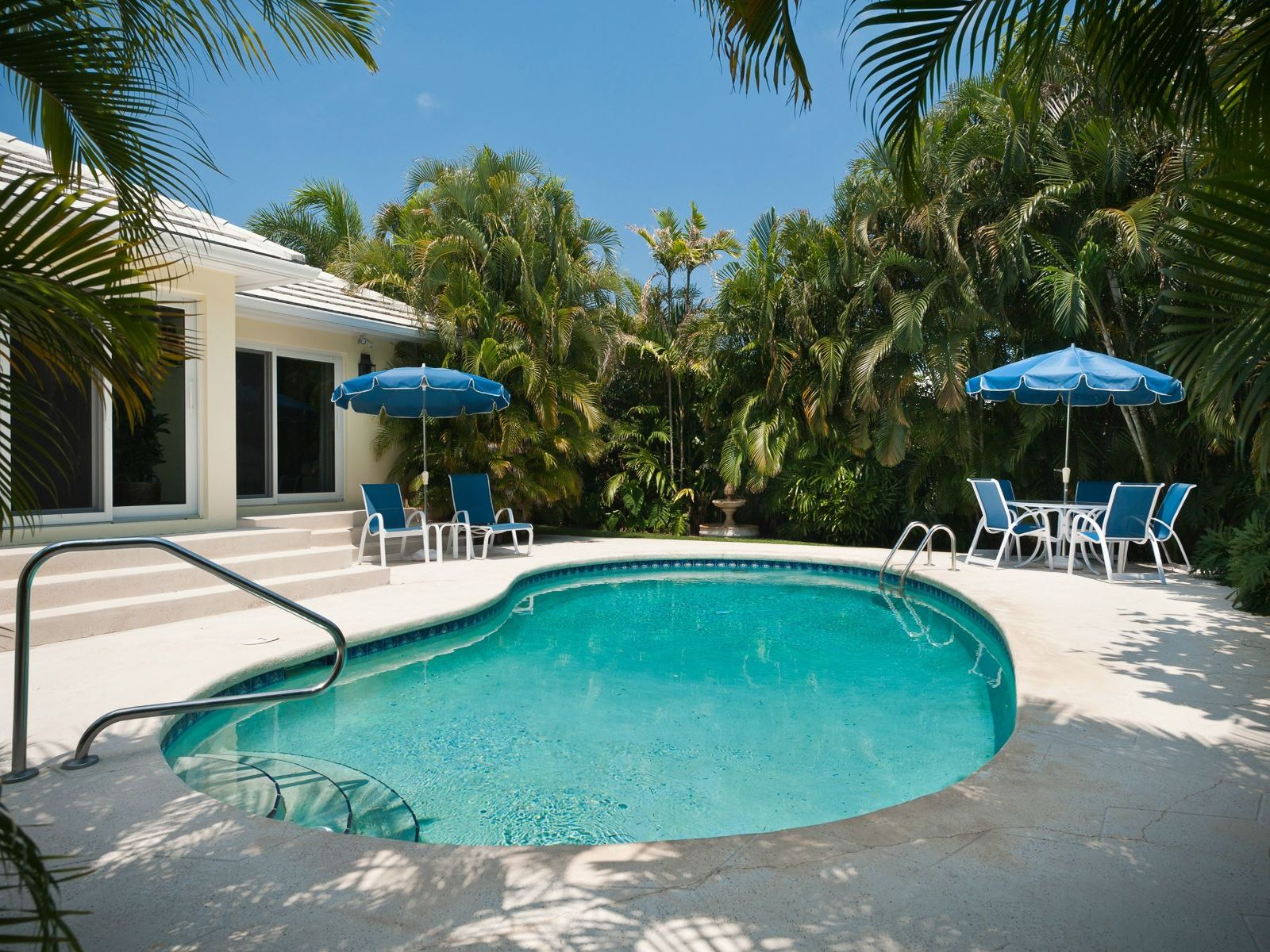 Beautifully designed, ideally located, Palm Beach FL Single Family Home - Palm Beach Real Estate