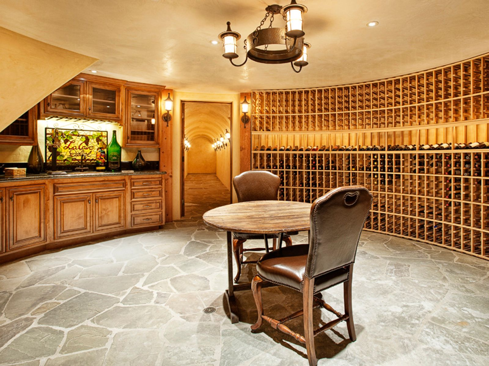 Spectacular Equestrian Vineyard Estate