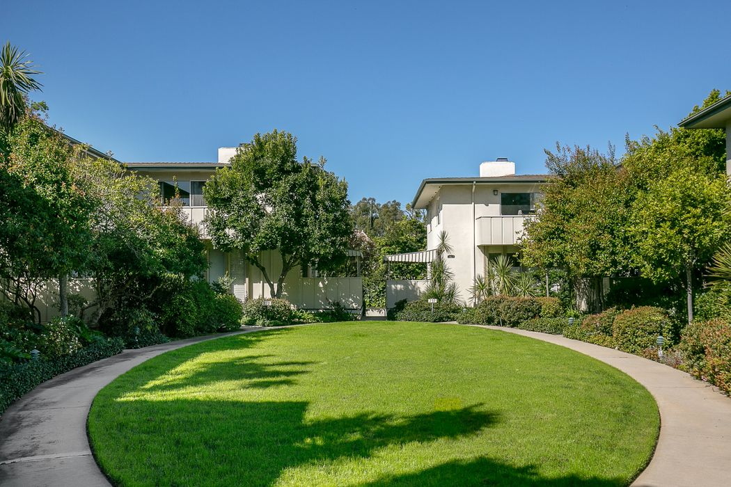 747 South Orange Grove Boulevard Pasadena, CA 91105