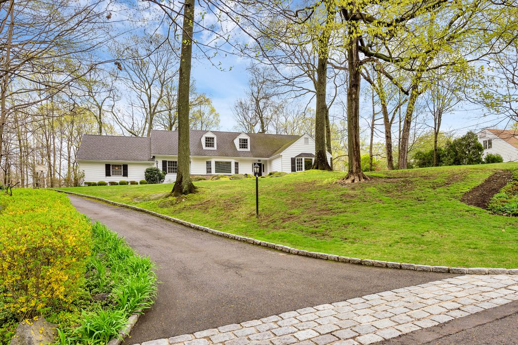 65 Stone Hedge Drive South Greenwich, CT 06831
