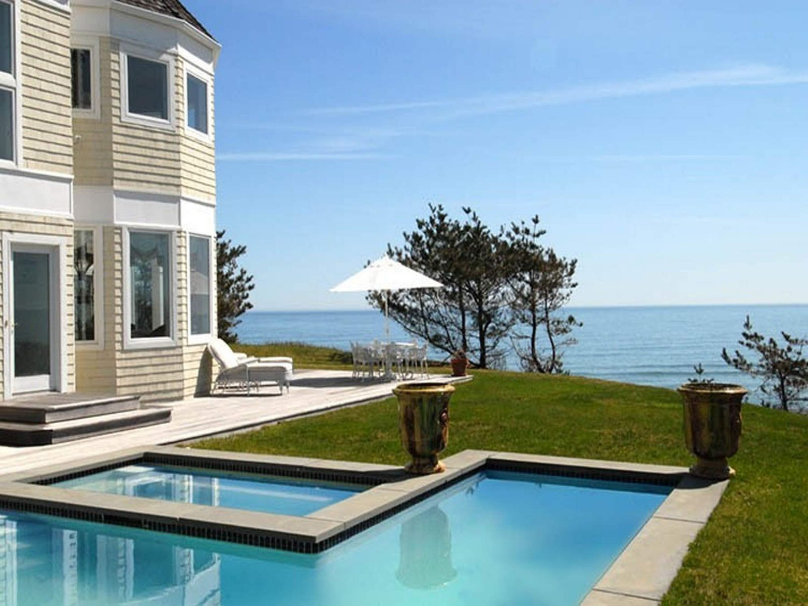 Oceanfront Oasis, Montauk NY Single Family Home - Hamptons Real Estate