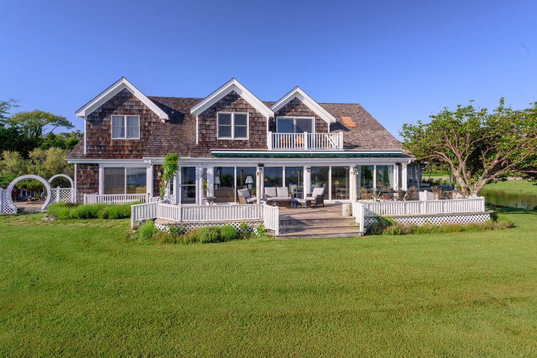 121 Sunset Beach Road Sag Harbor, NY 11963