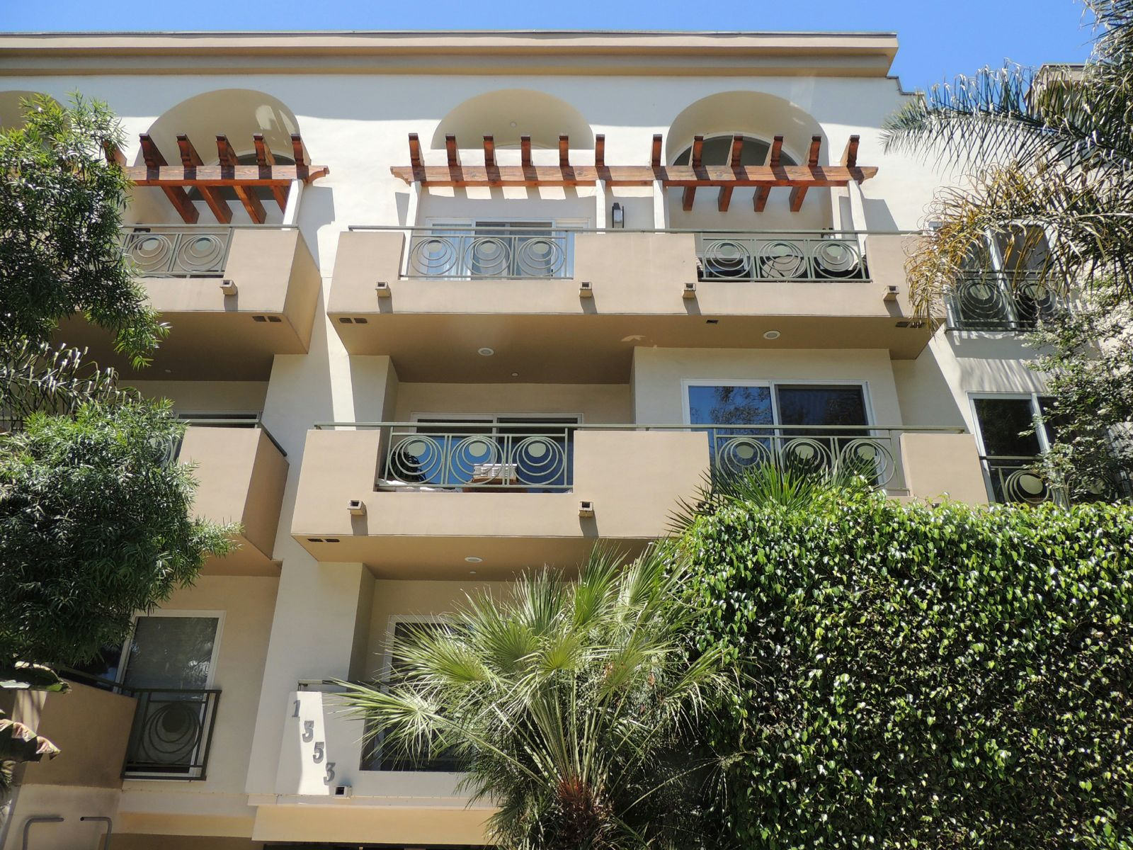 1353 North Fuller Avenue Unit Ph6, Los Angeles CA Condominium - Los Angeles Real Estate