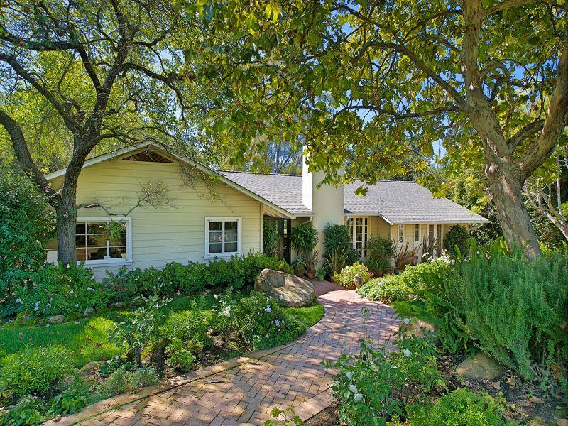 Nantucket Cottage in Montecito