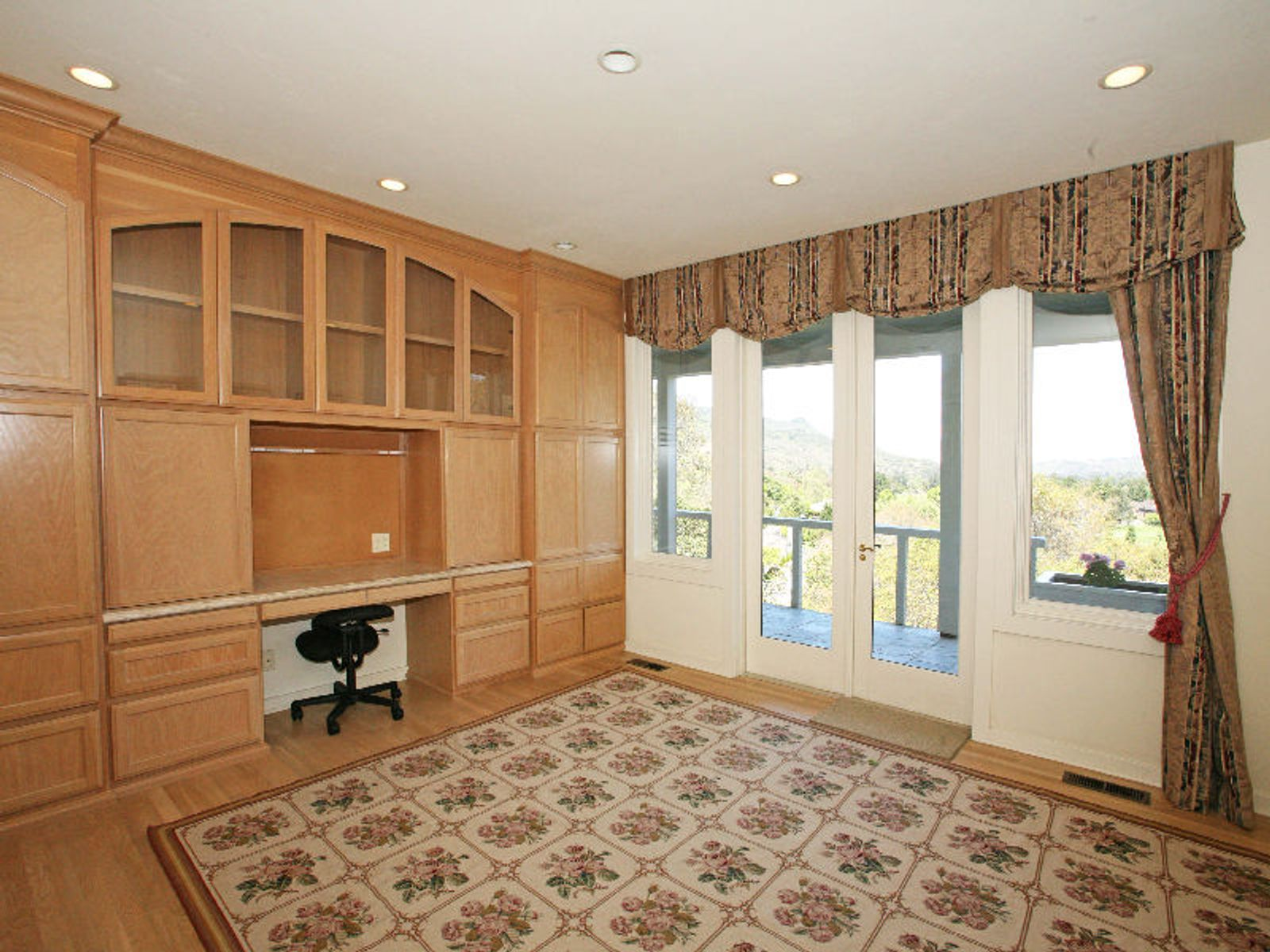 Large Home Incredible Golf Course Views