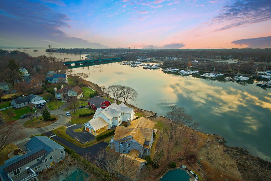 27 A Bayside Terrace Riverside, CT 06878