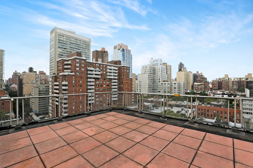 520 East 81st Street New York, NY 10028