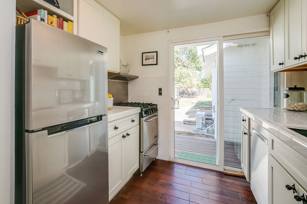 402 North Fulton Street Ojai, CA 93023