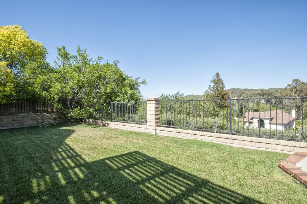 Panoramic Views from this Beautiful Home Newhall, CA 91321