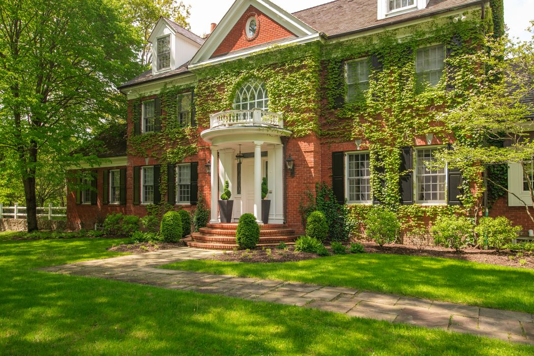 23 Wyckham Hill Lane Greenwich, CT 06831