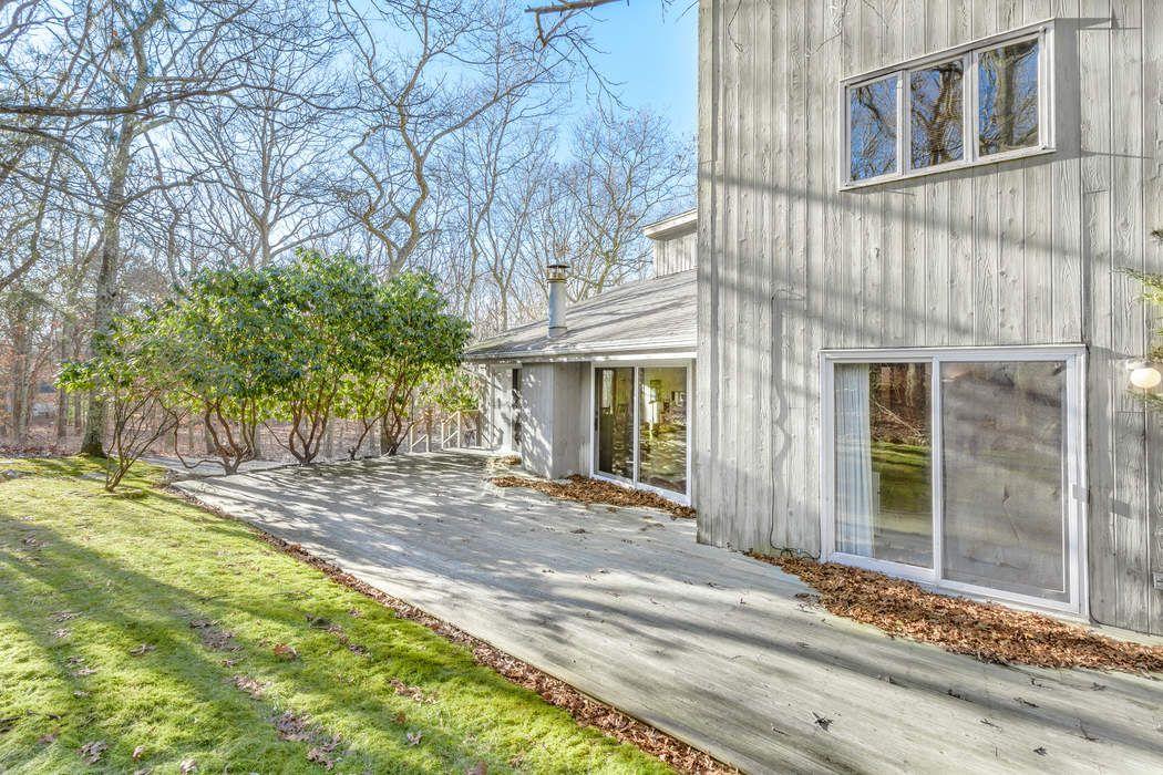 13 Shorewood Drive East Hampton, NY 11937
