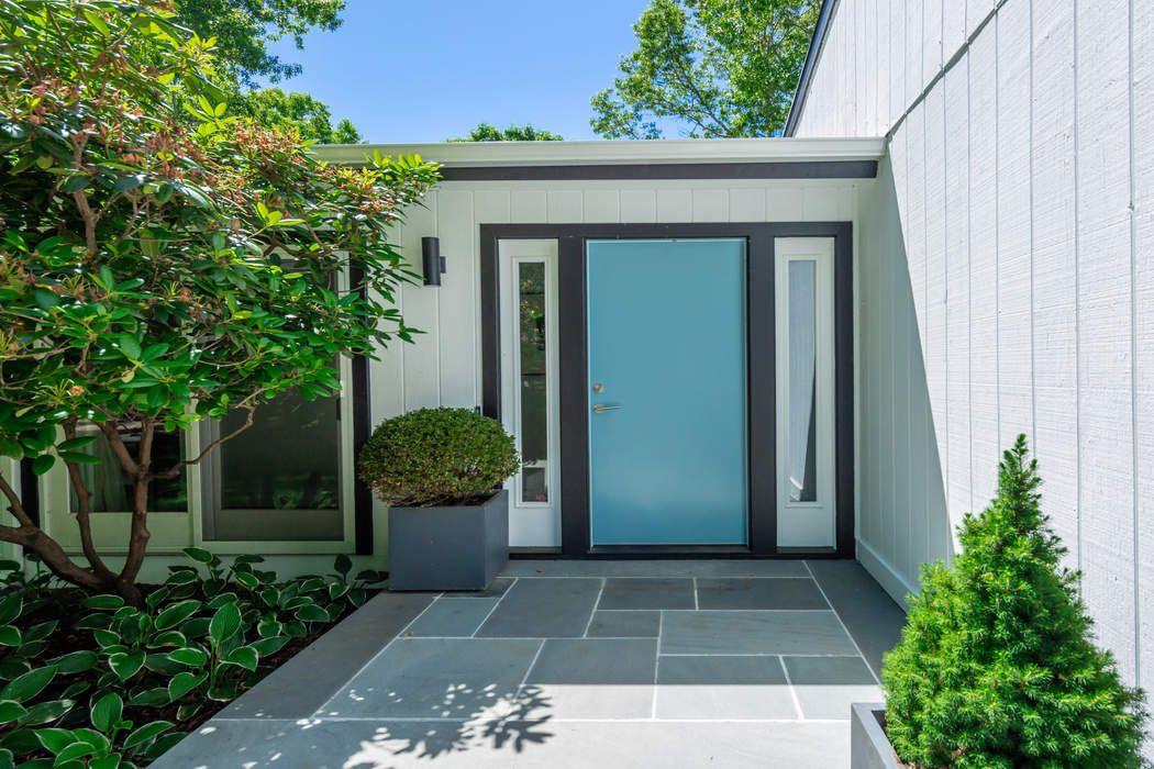 7 Shorewood Drive East Hampton, NY 11937