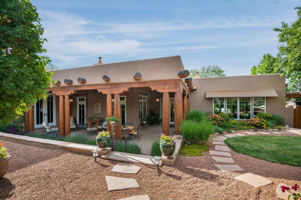 414 Camino Delora, Unit 4 Santa Fe, NM 87505