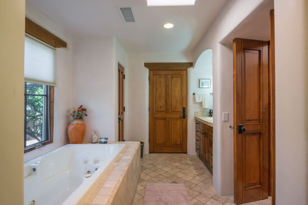 3 W Golden Eagle Rd Santa Fe, NM 87506