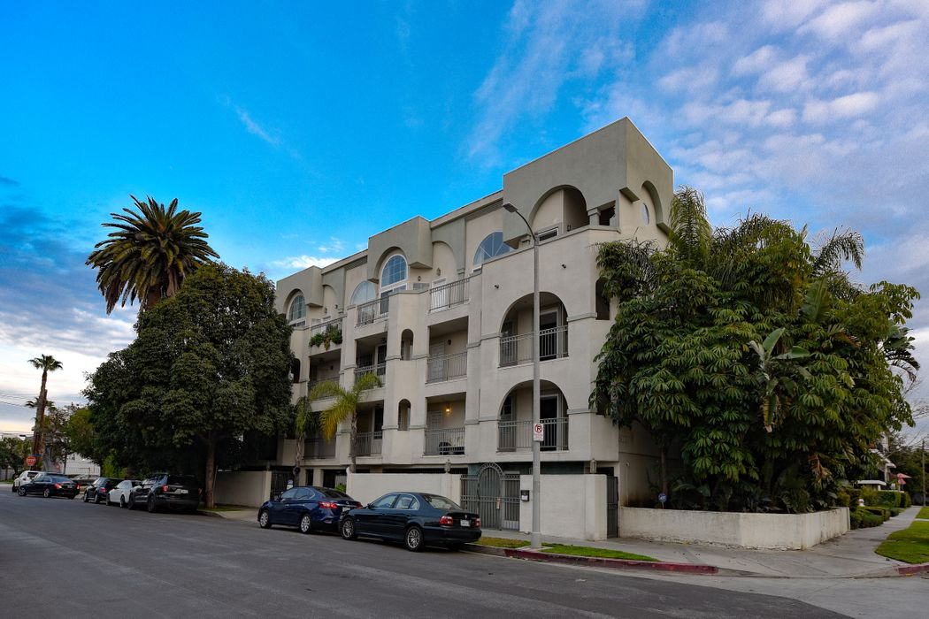 3900 Beethoven Street Unit 301 Los Angeles, CA 90066