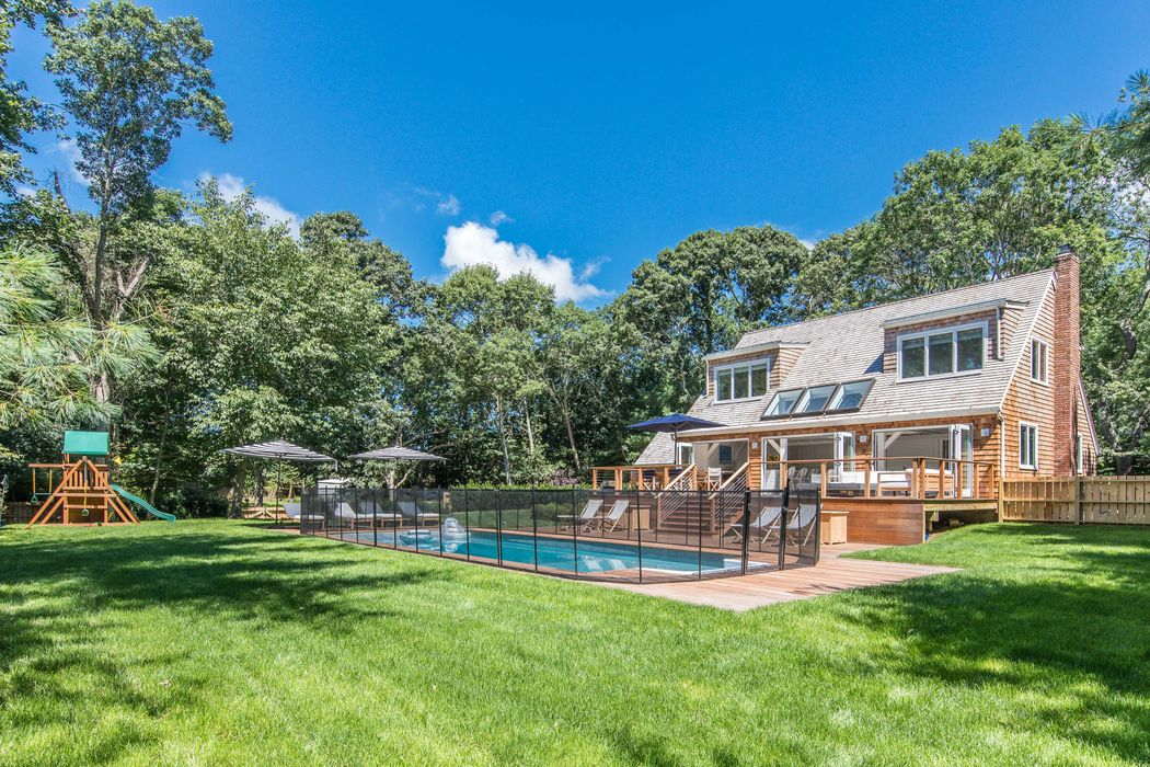 27 Montauk Highway East Hampton, NY 11937
