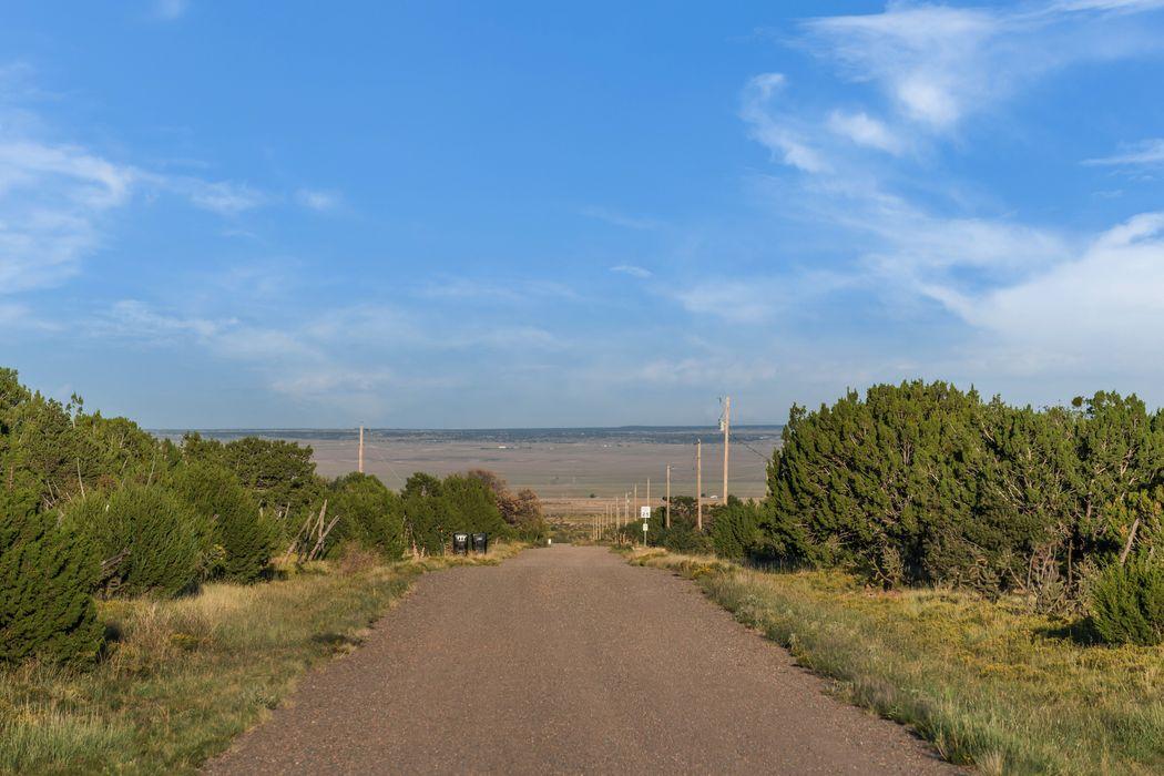 88 Sandoval Road Edgewood, NM 87015