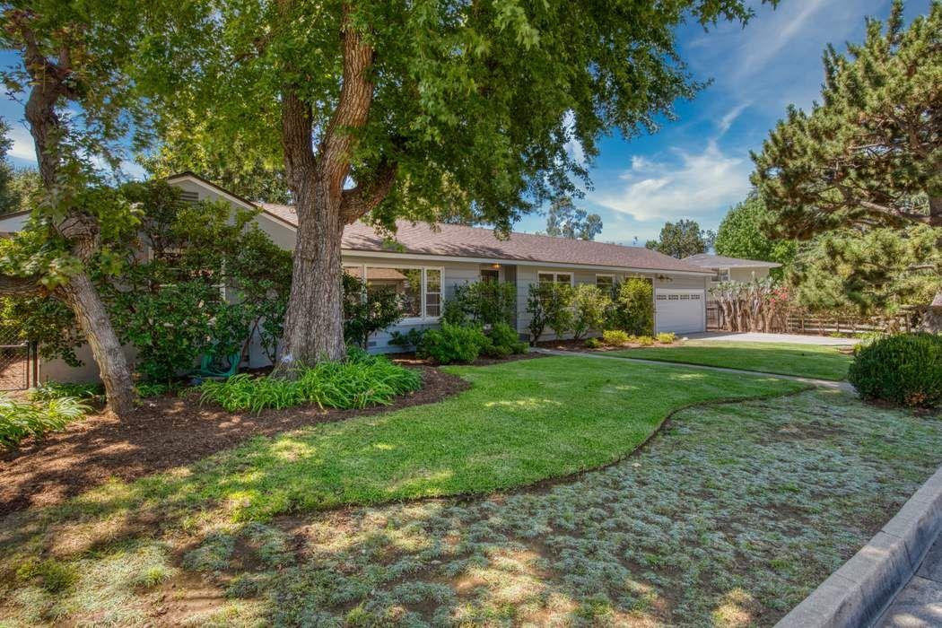 1810 La Cresta Drive Pasadena, CA 91103