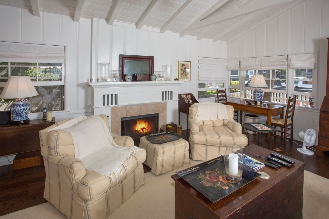 Charming Apartment on Balboa Island Newport Beach, CA 92662